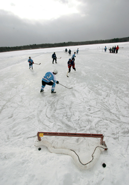ADM - Pond Hockey