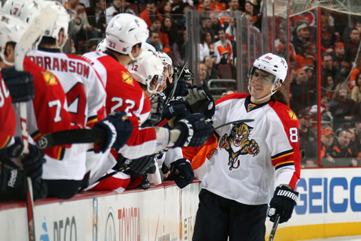 Despite his history of concussions, Peter Mueller is not afraid to go into high-traffic areas to score goals or to set up his teammates.