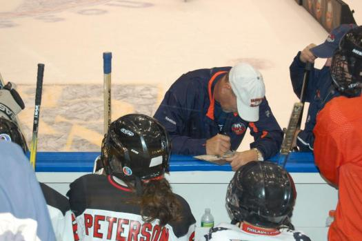 Bob Nystrom was happy to sign autographs for eager players