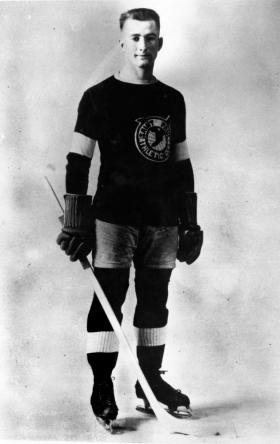 "Frank ""Goose"" Goheen never played in the NHL despite having multiple offers."